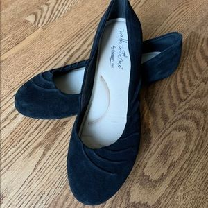 """Coldwater Creek """"Avalon"""" Suede Flats"""